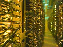 Ungefähr 15 Millionen E-Mail-Postfächer sind hier Zuhause: im WEB.DE Rechenzentrum in Karlsruhe. (c) WEB.DEUngefähr 15 Millionen E-Mail-Postfächer sind hier Zuhause: im WEB.DE Rechenzentrum in Karlsruhe. (c) WEB.DE