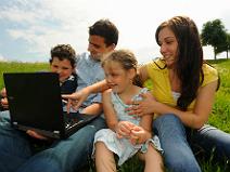 Seit 1995 bietet WEB.DE ein sicheres Zuhause im Internet. (c) WEB.DE